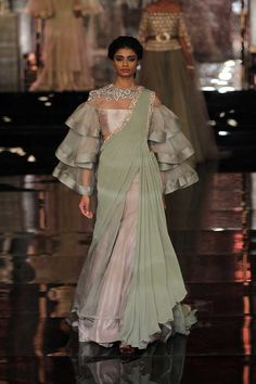 Manish Malhotra Latest Bridal Collection At India Couture Week 2016 - PK Vogue India Fashion Week, Asian Fashion, Look Fashion, Indian Fashion Trends, Fashion Outfits, Street Fashion, Indian Dresses, Indian Outfits, Pakistani Outfits