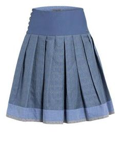 Shweshwe Dresses, Pli, A Line Skirts, Diy Clothes, Cheer Skirts, Skater Skirt, Costumes, Sewing, Bavaria