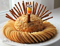 Thanksgiving Turkey Cheese Ball (Crafts a la Mode) Is this the CUTEST cheese ball you have ever seen? Angela from Handmade in the Heartland made this darling (and tasty) cheese ball and it's so cute I had to make one. I used a simple cheese ball recip Holiday Appetizers, Holiday Treats, Holiday Recipes, Dinner Recipes, Appetizer Recipes, Dessert Recipes, Party Appetizers, Christmas Desserts, Halloween Appetizers
