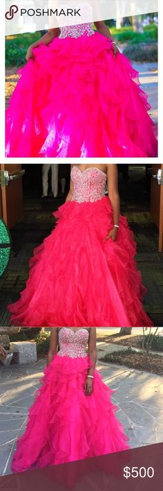 Prom Dress for sale . $500 or best offer Only worn One time !!! Size XS Dresses Prom