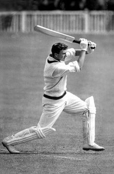 Richie Benaud on e of my cricket heros. Watched him in the nets at the Easter Show (I think) one year.