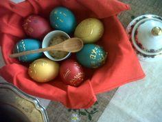Easter eggs + really hot mustard (Khrystos Voskriesye) / Nuestros huevos de Pascua rusa, con mostaza ultra fuerte