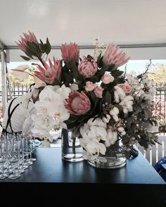 Why say cotton candy when you can say fairy floss . . . . . . . . #cotton #kingprotea #oakesday #melbourneraces #crownoaksday #lalunabistro #blushflowers #phalaenopsisorchids #davidaustinroses #anthiriums