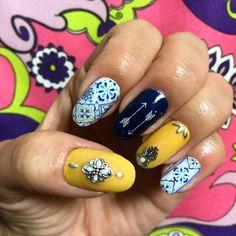 new♡nail #ネイル#nail#nails#ネイルデザイン #ジェル#ジェルネイル #セルフ#セルフネイル #秋#autumn#秋ネイル #タイル#タイルネイル #アラベスク柄 #アラベスクネイル #マスタードイエロー #マスタードネイル #コンチョネイル #ネイビー #navy