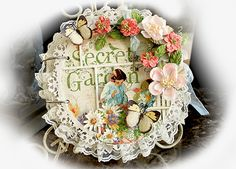 What a beautiful Secret Garden Mini Album from Renea Harrison, shared on the Graphic 45 Ning site!