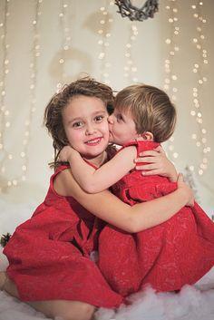 For Christmas we were determined to take some pictures in the proper mood! Do you like then? @sarabandamoda #christmas #red #sarabanda #FW15 #fall #winter #fallwinter2015 #childrens #kids #childrenswear #kidswear #kidsfashion #girls #boys