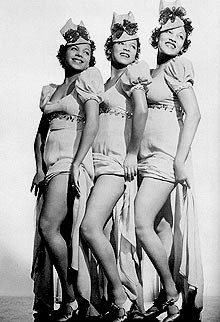 Singing and dancing trio The Dandridge Sisters (Vivian and Dorothy Dandrige and Etta Jones), mid-1930s. Performed with the Jimmy Lunceford Orchastra, Cab Calloway, and at the famous Harlem Cotton Club. Appeared in the films Day a the Races in 1937 and Going Places in 1939. Dorothy would go on the become the 1st African American Academy nominee for Best Actress. Etta Jones, Dorothy Dandridge, Vintage Black Glamour, Vintage Beauty, Cotton Club, Actrices Hollywood, African American History, Old Hollywood, Hollywood Glamour