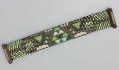 Bracelet manchette aimanté en perles Miyuki vert - tissage peyote