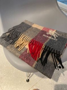 Burberry Clothing, Burberry Outfit, Man Scarf, Burberry Prorsum, Cashmere, Scarves, Woman, Travel, Scarfs
