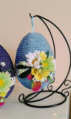 Spring Is Here, Easter Crafts, Easter Ideas, Topiary, Quilling, Easter Eggs, Decorative Plates, Projects To Try, Diy Crafts