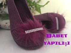 YouTube Crochet Sandals, Booties Crochet, Crochet Shoes, Crochet Gloves Pattern, Crochet Cardigan Pattern, Crochet Patterns, Loom Knitting, Baby Knitting, Crochet Flip Flops