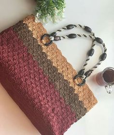 Crochet Cowel, Zig Zag Crochet, Free Crochet Bag, Crochet Market Bag, Crochet Cardigan Pattern, Crochet Baby Booties, Crochet Yarn, Crochet Handbags, Crochet Purses