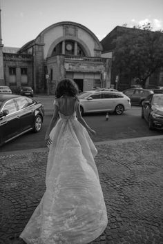#wedding #bridalfashion #katowice #poland #woman #portrait #bw #bnw #city #session #street #fashion #photography