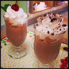 Para os dias quentes cafés gelados, e um bom chocolate acompanhando!