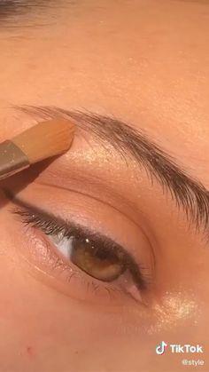 Edgy Makeup, Eye Makeup Art, Natural Eye Makeup, Smokey Eye Makeup, Skin Makeup, Eyeshadow Makeup, Beauty Makeup, Women's Beauty, Luxury Beauty