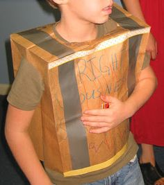 Link to ideas for the parts of the armor Eagle Nest Mom: Craft: Make a Breastplate of Righteousness - Ephesians 6: 13 - 18 Bible Story Crafts, Bible School Crafts, Sunday School Crafts, Armor Of God Lesson, Bible Activities, Church Activities, Preschool Bible, Preschool Lessons, Toddler Preschool