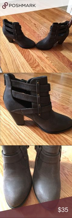 Brand new brown booties-excellent condition! Worn once indoors. Excellent condition - brand new! Great for fall and winter🍁 Shoes Ankle Boots & Booties