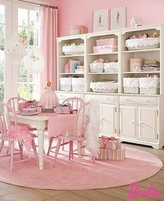 Pink & white county dinning