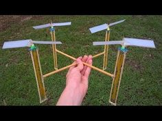 How to make a Rubber Band Powered Drone. Stem Projects, Science Fair Projects, School Projects, Projects For Kids, Diy For Kids, Crafts For Kids, Woodworking School, Learn Woodworking, Stem Science