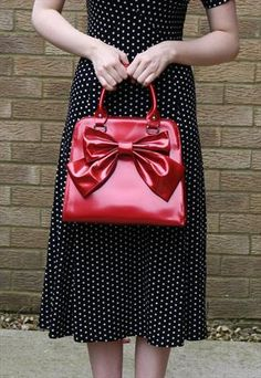 Vintage Red shiny mad men style 1950's bow handbag== perfection