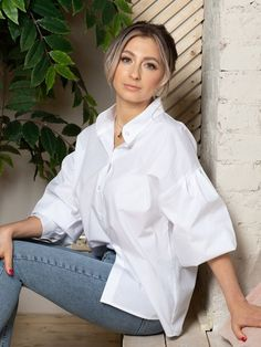 Balloon sleeve blouse, White button down shirt, Stand collar blouse. White Shirts Women, Blouses For Women, White Button Down Shirt, Collar Blouse, Cultura Pop, Diy Dress, Summer Outfits Women, Friend Outfits, Fashion Outfits