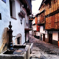 """See 64 photos and 4 tips from 468 visitors to Hervás. """"Very Nice easy goiing smal town, old narrow streets,"""" Merida, Countries, Street, Nice, Fuentes De Agua, Community, Antigua, Scenery, Roads"""