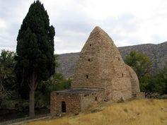 A 1300 (!) year old Tomb in Abudojane, Kirmaşan, Iran. Photo by Hamid Sedghinejad