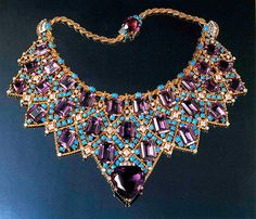 Duchess of Windsor's necklace by Cartier- I need one!