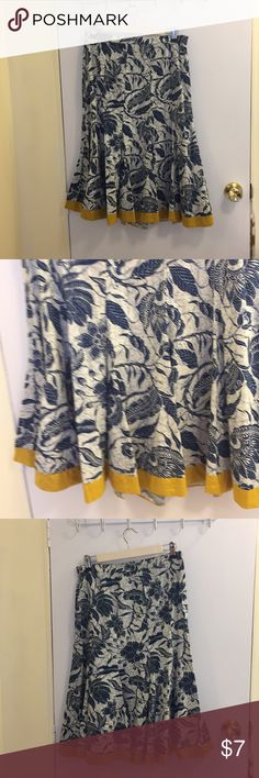 Old Navy cotton skirt. Old Navy 100% navy blue and cream skirt with dark yellow hem. Skirt is a size 4 with a side zipper. Old Navy Skirts Midi