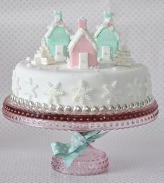 I've rounded up some of the most AWESOME Christmas cake decorating ideas, complete with links to tutorials on how to recreate each cake design, take a look! Christmas Cake Designs, Christmas Cake Decorations, Christmas Sweets, Holiday Cakes, Noel Christmas, Pink Christmas, Christmas Goodies, Christmas Baking, Christmas Cakes