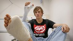 #Sydney surgeons cut off bull rider Zac Mitchell's big toe to replace thumb torn off in accident - dailytelegraph.com.au:…