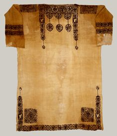 An Introduction to Liturgical Textiles of the Post-Byzantine World Historical Artifacts, Ancient Artifacts, Ancient Egypt, Ancient History, Egyptian Fashion, Egyptian Art, Egyptian Costume, Empire Romain, Early Middle Ages
