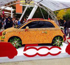 Una Fiat 500 ricoperta di ortofrutta all'Expo [FOTO]