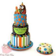 Grady's First Birthday Owl Cake. More photos at http://blog.pinkcakebox.com/first-birthday-owl-cake-2013-04-27.htm