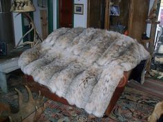 Fur Bedding, Mens Fur, Fur Rug, Fur Accessories, Fur Blanket, Fur Throw, Cow Hide Rug, Round Rugs, Soft Blankets