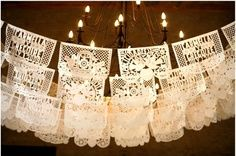 lace decorations  -   Valance?