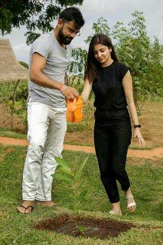 Anushka Sharma and Virat Kohli setting couple goals Bollywood Couples, Bollywood Actors, Bollywood Celebrities, Bollywood Posters, Bollywood Outfits, Bollywood News, Anushka Sharma Virat Kohli, Virat Kohli And Anushka, Taylor Swift