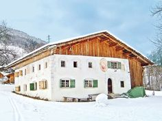 Bauernhaus Sandrell in Vorarlberg: 2 Schlafzimmer, für bis zu 6 Personen, ab 418 € pro Woche. Außergewöhnliches Wohnen in denkmalgeschütztem Bauernhaus aus dem Jahre 1459 | FeWo-direkt