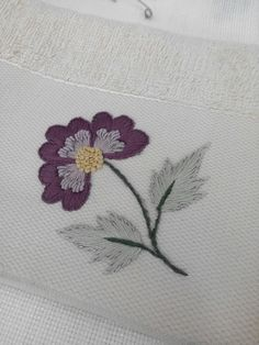 Phulkari Embroidery, Hand Embroidery Designs, Leaf Tattoos, Elsa, Painting, Hand Embroidery, Embroidered Flowers, Napkins, Dots