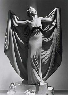 Cape dress 1936-Mme Gres