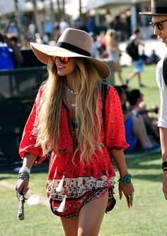 Love Vanessa Hudgens fashion style! Perfect for summer concerts! Like Florence + The Machine!!