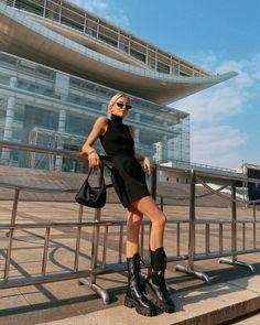 """Caroline Daur on Instagram: """"Tourist 🖤"""" Tv Show Outfits, Girl Outfits, Cute Outfits, Fashion Outfits, Spring Summer Fashion, Winter Fashion, Only Fashion, Womens Fashion, Dress Like A Parisian"""