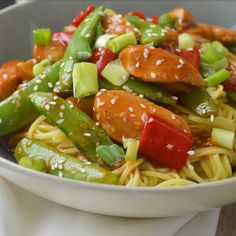 Ellouisa: Kip teriyaki noodles