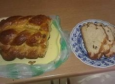 Tvarohová vánočka - krok za krokem   NejRecept.cz Thing 1, French Toast, Breakfast, Food, Basket, Author, Morning Coffee, Essen, Meals