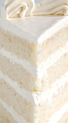 It is possible to make velvety, soft white cake from scratch. How you mix the cake makes a big difference. By using the reverse creaming technique you'll get a white cake with a tender and moist crumb. Moist White Cake, White Cakes, White Velvet Cakes, Cupcake Recipes, Cupcake Cakes, Dessert Recipes, White Cake Recipes, Bakery White Cake Recipe, Sweets Cake