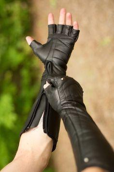 Razorpine Zipdown Gauntlets Clothing designed for creative people with delightful taste, Featuring Ayyawear! Moda Cyberpunk, Cyberpunk Fashion, Steampunk Mode, Steampunk Fashion, Apocalyptic Fashion, Apocalyptic Clothing, Mens Fashion, Fashion Outfits, Gothic Fashion