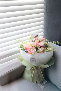 친구 결혼 축하 꽃다발, 기념일 선물 ' 퓨어크림 ' _ Liziday Flower Design Studio 안녕하세요 서울 ...