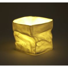 Papieren zak in porselein, klein en groot, als theelicht, voor bloemen , kruiden.....