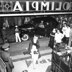 Premier en Cine Teatro Olimpia . Calle Palo Hincado, Ciudad Trujillo, República Dominicana. Imagen del año 1942. Fuente : AGN / Conrado / IDNH noviembre 2014 ~ DATOS, BIOGRAFIAS, FOTOS Y VIDEOS SOBRE LA HISTORIA DE REPUBLICA DOMINICANA