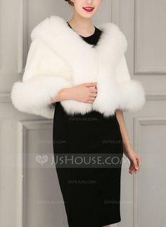 [US$ 43.99] Faux Fur Fashion Wrap (013104330)